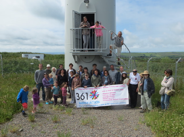 361 Green Safari visits the Philip Dennis wind turbine
